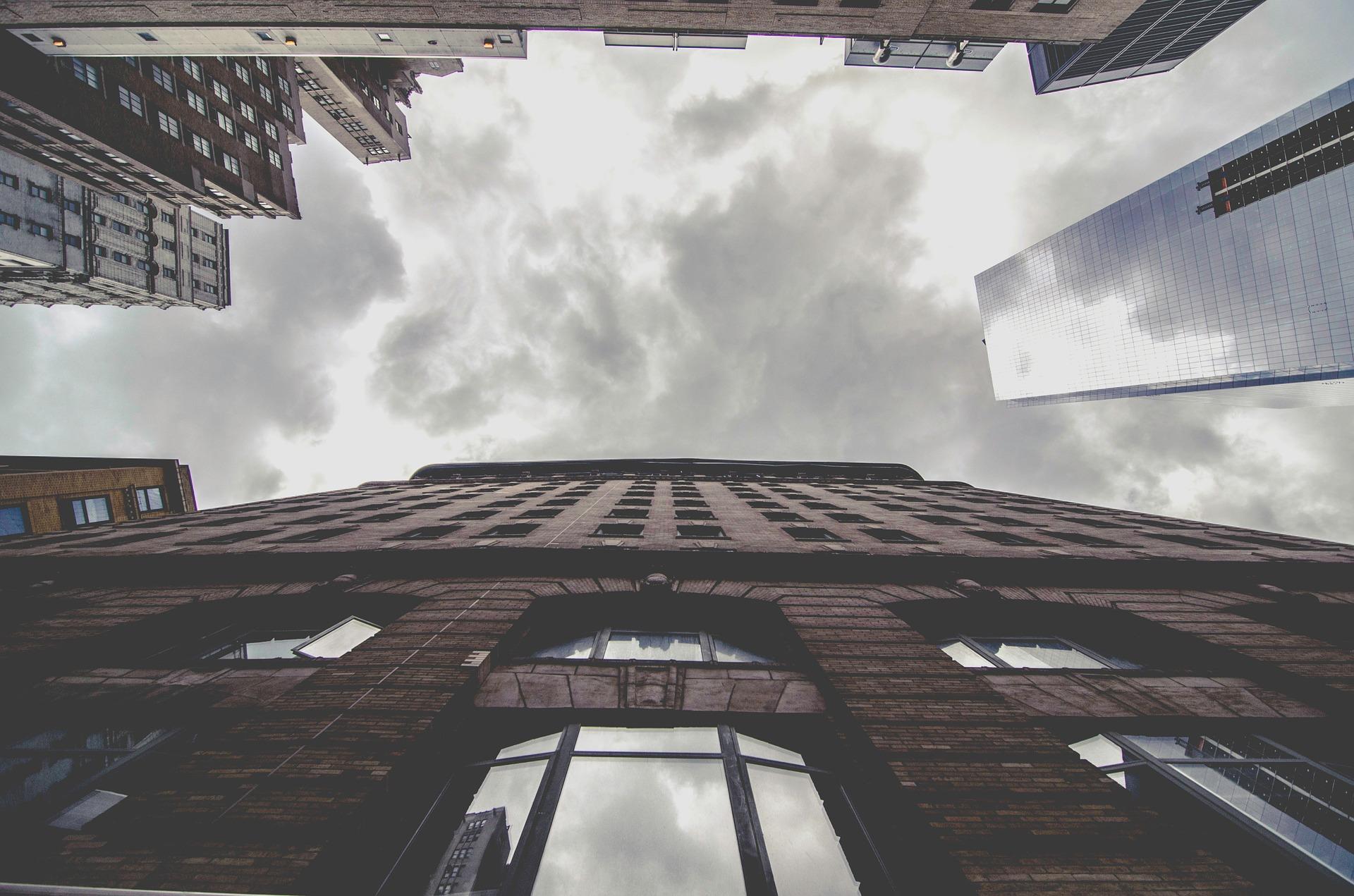 buildings-1209690_1920